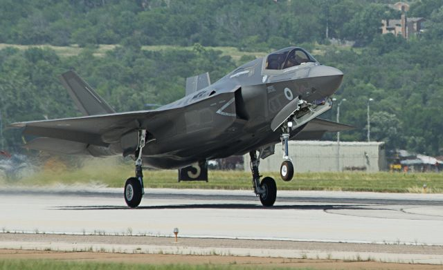 The Ministry of Defence (MOD) has signed a contract for the first production batch of 4 Lightning II stealth combat aircraft – which will operate from both the Royal Navy's new aircraft carriers and Royal Air Force (RAF) land bases. Yesterday, Lockheed Martin UK also announced the opening of simulation facility for the F-35 in its Ampthill site in Bedfordshire.