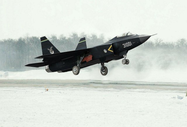 Over 130 aircraft of various types will participate in the 10th China International Aviation & Aerospace Exhibition to be unveiled on November 11, 2014 in Zhuhai of south China's Guangdong province, and the J-31 stealth fighter will also appear in Zhuhai and conduct a demonstration flight, according to Nanfang Daily.