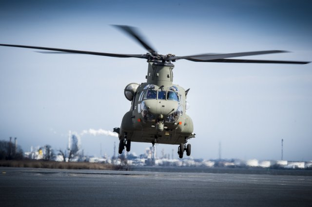 Boeing delivers final Mk6 Chinook transport helicopter to the RAF 640 001