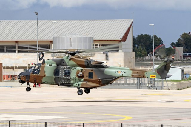 Spain takes delivery of itssecond NH90 tactical transport helicopter 640 001