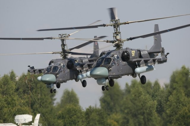 Russia Eastern Military District receives two new Kamov Ka 52 and three Mil Mi AMTSh helicopters 640 001