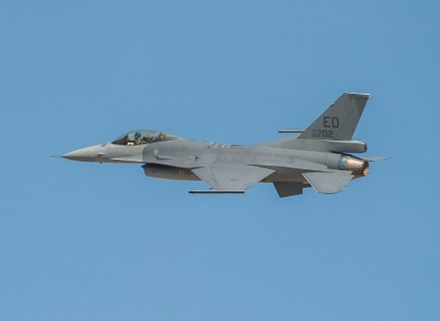 Lockheed Martin s advanced F 16V fighter aircraft made its maiden flight 640 001