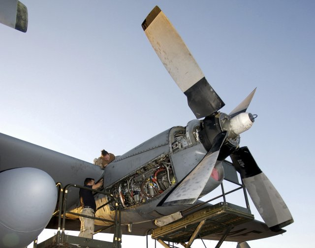 USAF to start updating its C 130 airlifters with Rolls Royce s T56 Series 3 5 engine upgrade 640 001