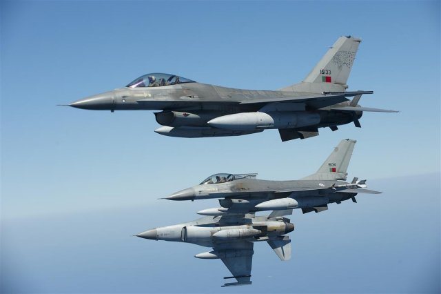 Romania plans to purchase 12 more F 16 fighter jets in 2017 640 001