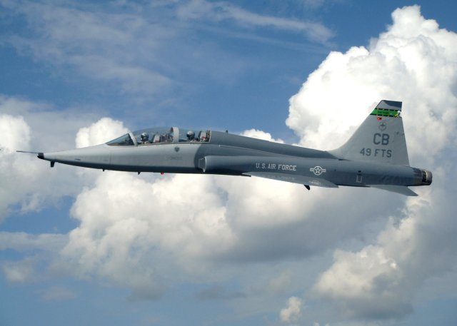 Boeing wins a 885mn contract to support USAF s T 38C trainer aircraft fleet 640 001
