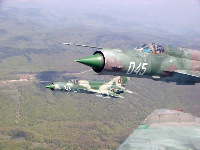 Bulgaria considers purchase of US second hand jet fighter to replace country s Soviet built aircraft 640 001