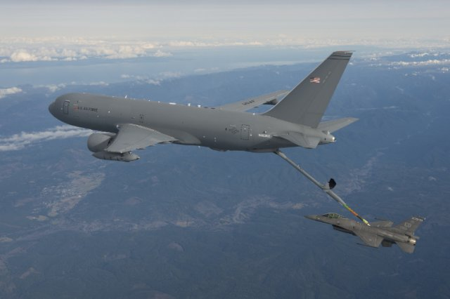 USAF aircrew successfully completed first KC 46A tanker aircraft refueling flight 640 001
