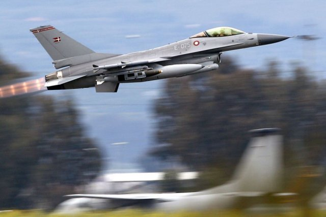 Denmark plans to send F 16 fighter jets to help in fight against IS in Iraq and Syria 640 001