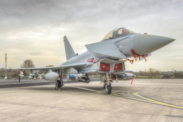 Eurofighter Typhoon achieves ground trials with Brimstone missil 640 001