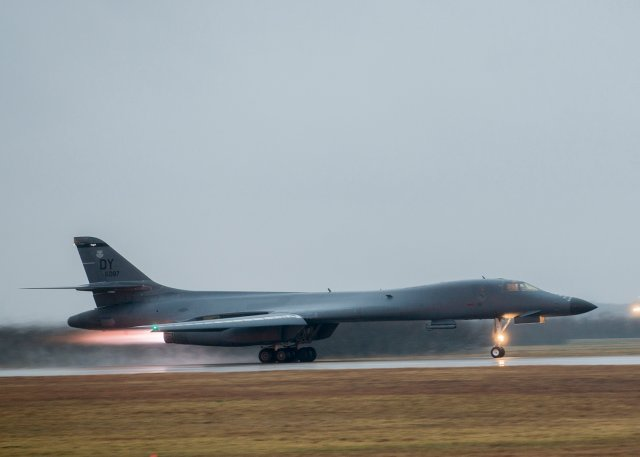 USAF Block 16 B 1 bomber performs first ever long range strike drill 640 001