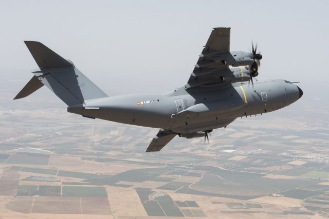 Spanish Air Force s first Airbus A400M airlifter took to the skies 640 001