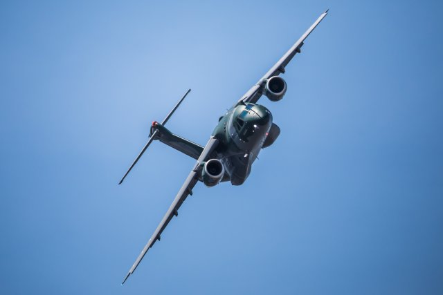 Embraer KC 390 airlifter achieves IOC 640 001