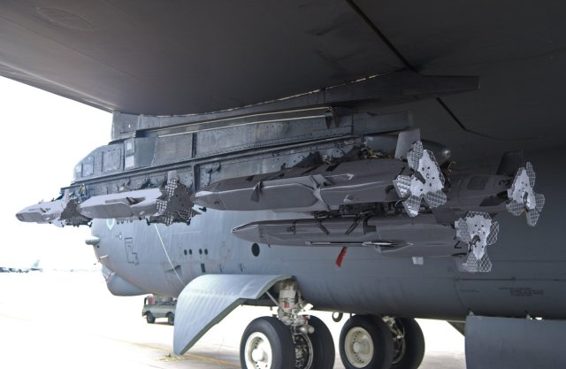 Raytheon and USAF upgrading MALD J radar jammer with anti jam capabilitie 640 001