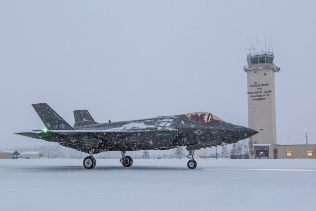 F 35A Icy Runway Testing for Norwegian Drag Chute Underway in Alaska 640 001