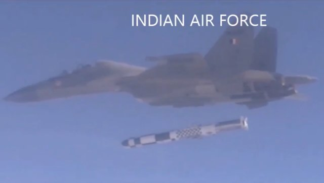 IAF Su 30MKI successfully test fires Brahmos cruise missile 640 001