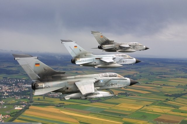 Germany now F A 18E F as possible Tornado replacement 640 001
