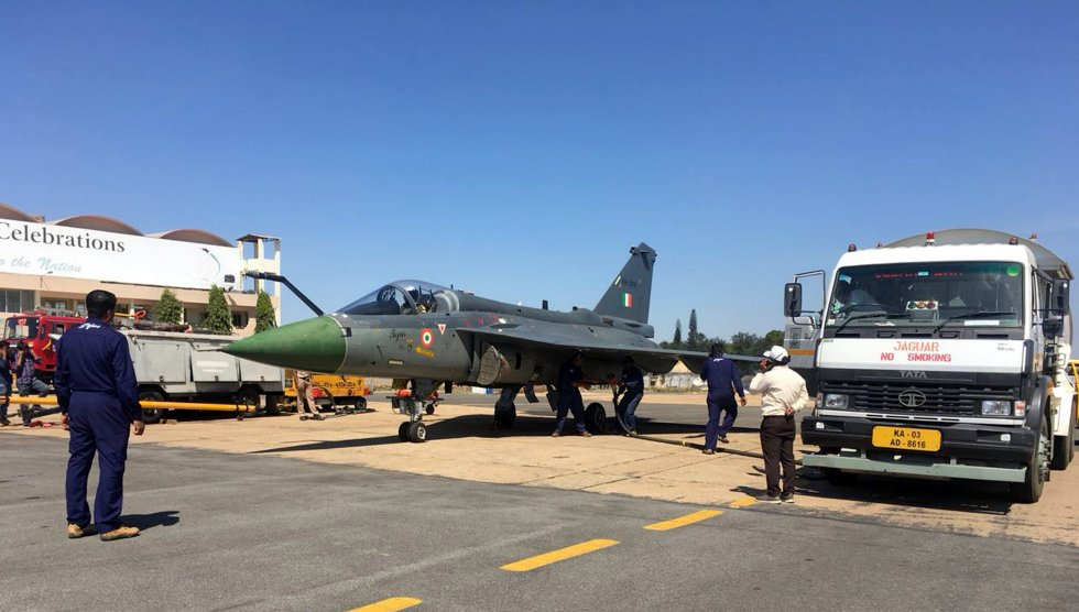 India successful hot refueling trial of Light Combat Aircraft Tejas