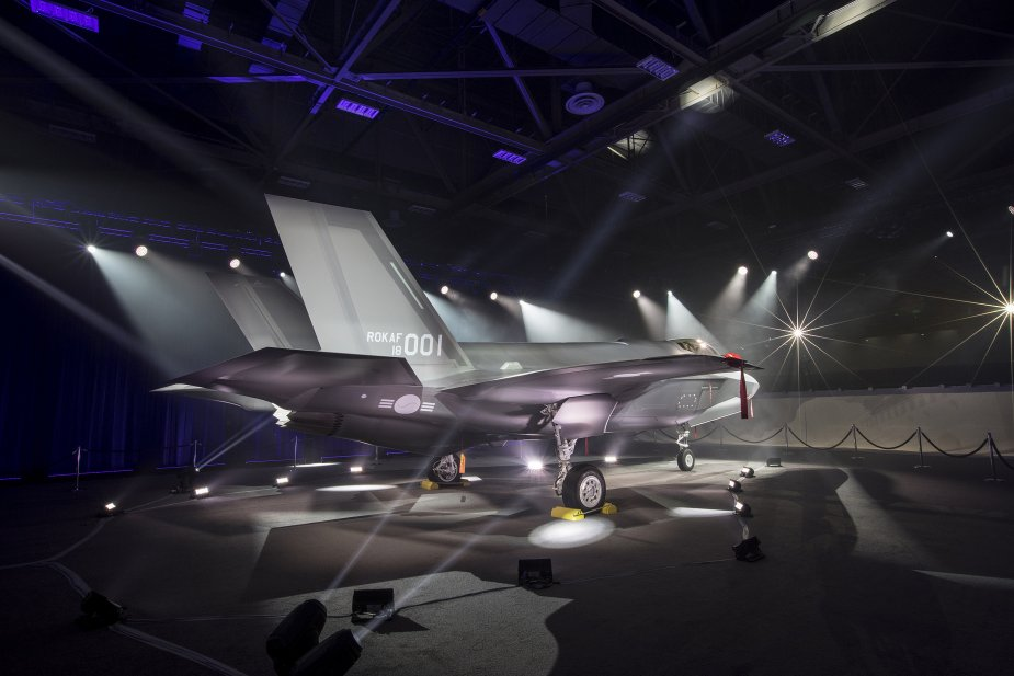 Lokcheed Martin rolls out first RoKAF F 35A fighter jet 001