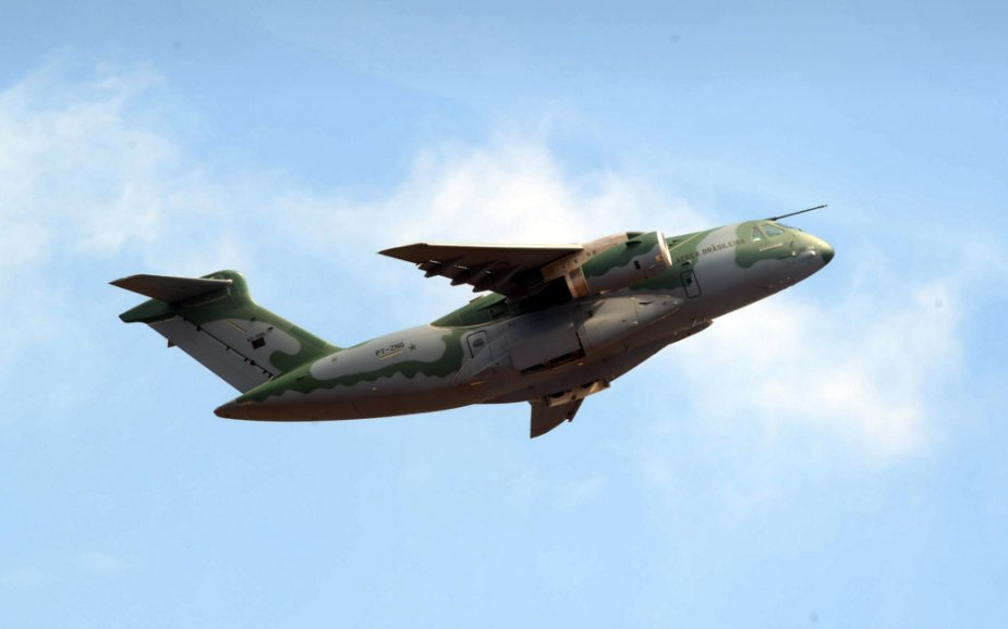 Embraer completes KC 390 troop evacuation tests 001