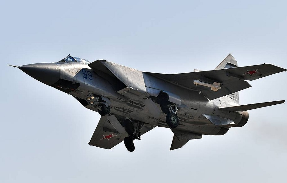 Upgraded MiG 31BMs drill air fight in stratosphere in Kamchatka