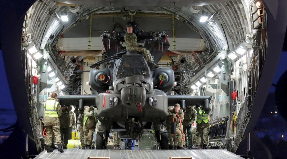 British AH Mk.1 Apache helicopters make Arctic debut