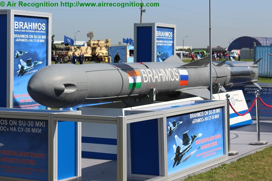 First Su 30 jets equipped with BrahMos missiles enter service in India 02