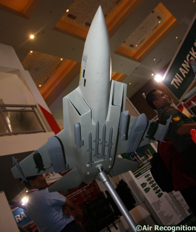 Nearly one month after starting negotiations with South Korea to reach an agreement on the second phase of the joint development and production of the KF-X/IF-X jet fighter, Indonesian Ministry of Defense is officially showcasing the IF-X in Indonesian livery during IndoDefence 2014 exhibition, which is held in Jakarta from 5-8 November.