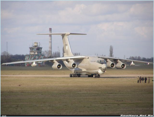 Russia's United Aircraft Corporation (UAC) and the Defense Ministry are in talks over a deal for new Ilyushin Il-78 Midas aerial refueling tankers for the Russian Air Force, UAC said on Tuesday, March 12, 2013. The aerospace holding declined to say when a deal might be signed or on what terms.