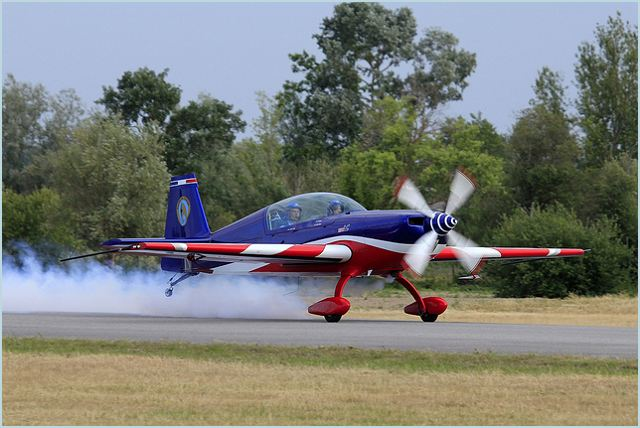 Extra 330 two-seat aerobatic monoplane aircraft technical data sheet specifications intelligence description information identification pictures photos images video France French Air Force aviation aerospace defence industry military technology