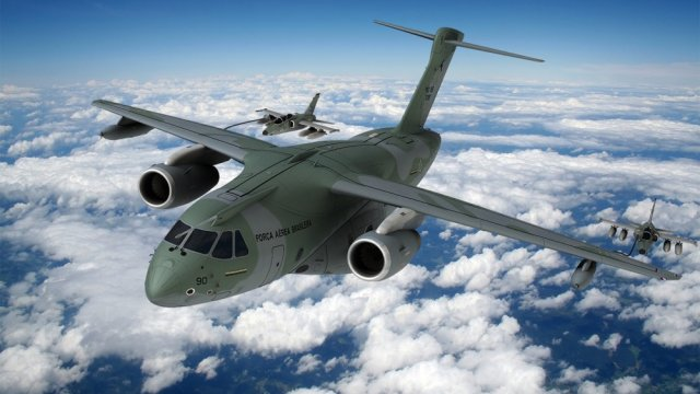 Embraer participate in Campo Grande at the first week of the military training Transportex 2014, culminating on August 26 with the participation of fifteen squadrons of the Brasilian Air Force (FAB). The goal is to perfect the new airlifter of the FAB, the KC-390.