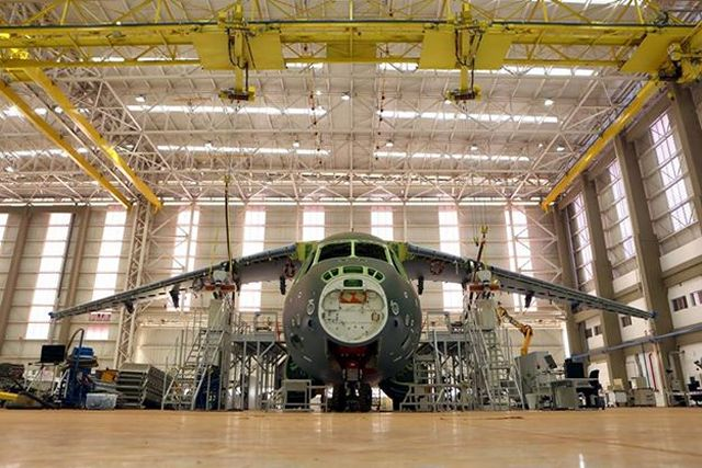 The Brazilian aerospace company Embraer Defense & Security has released the last picture of the first prototype of its KC-390 military airlifter and aerial refueling . The KC-390 program is at a turning point, the first flight of the aircraft is expected within a month. The aircraft is designed to replace the older C-130 Hercules development.