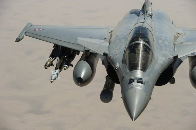 According to an official statement by the French presidency, Qatar announced today its intention to purchase the Dassault Rafale multirole fighter aircraft, for a total amount of about 6.3 billion euros ($7.06 billion). The Emir of the state of Qatar Sheikh Tamim bin Hamad bin Khalifa Al Thani confirmed over the phone yesterday to French president François Hollande his intention to procure 24 fighter aircraft, with an option for 12 other planes.