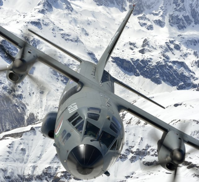 Chilean aircraft manufacturer ENAER and Finmeccanica-Alenia Aermacchi officially announced today, March 27, the signing of an industrial cooperation agreement under the form of a Memorandum of Understanding on the logistical support of the M-345 HET trainer and the C-27J medium airlifter. This alliance is tied in the context of Italy's Defense Minister, Roberta Pinotti's first visit to Chile.