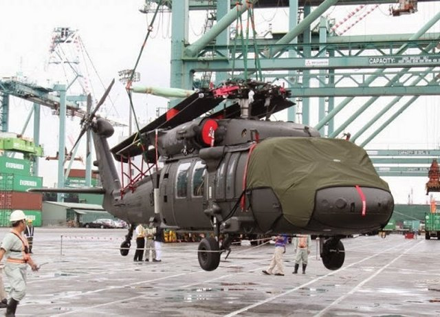 Taiwan has taken delivery of a further four UH-60M Black Hawk helicopters, part of a package of 60 such choppers from the United States, after the second batch of the aircraft was shipped to southern Taiwan earlier this week, the Republic of China's Army said Tuesday, May 26. The four Black Hawks arrived in Kaohsiung May 24 and were later put through ground and air testing after being unloaded and assembled.