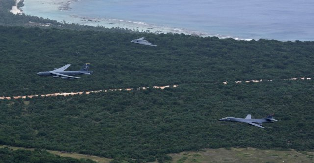 All three USAF bombersconducts first ever integrated operation in Pacific 640 001