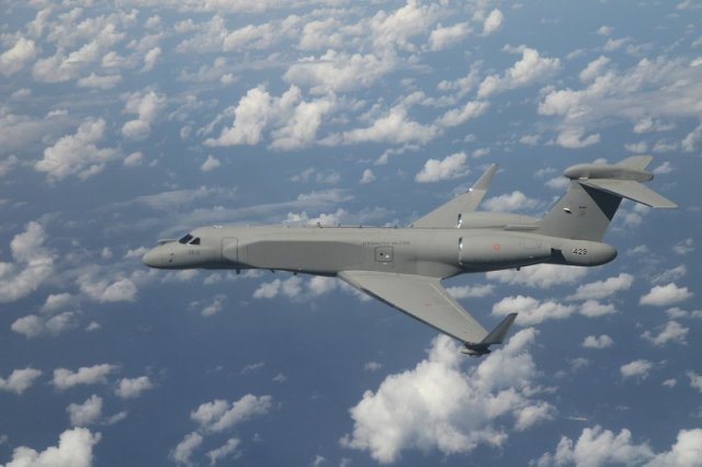 IAI delivered first of two G550 CAEW aircraft to Italy 640 001