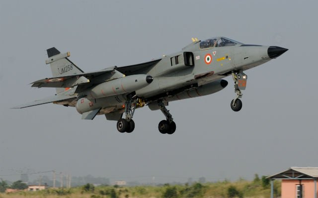 India successfully tests homegrown Smart Anti Airfield Weapon 640 001