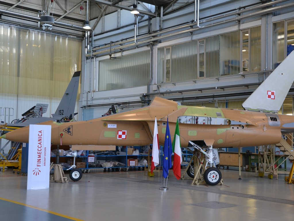 Poland two first M 346 trainer jets enter final assembly phase 640 001