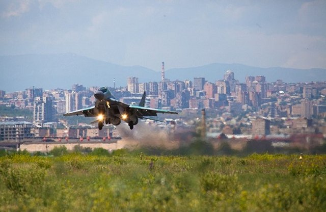Russi airbase in Armenia takes delivery of five MiG 29 fighter jets 640 001