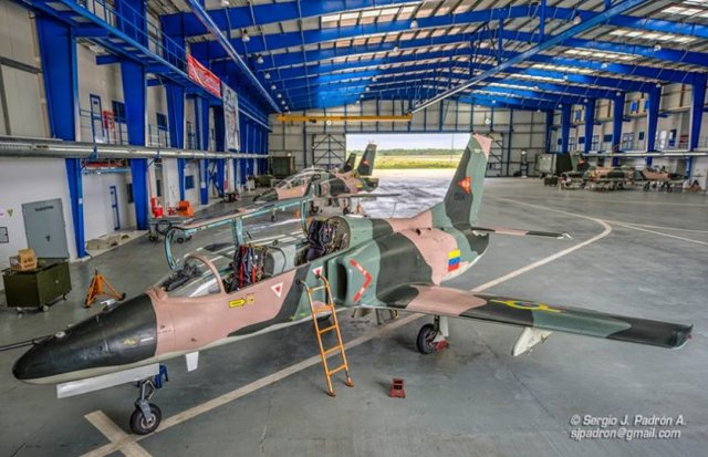 Additional batch of six China made jet trainers reaches Venezuela 640 001
