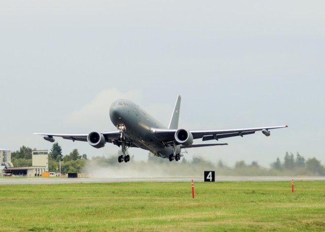 Boeing lands 2 1bn USAF contract for 15 KC 46A multirole anker aircraft 640 001