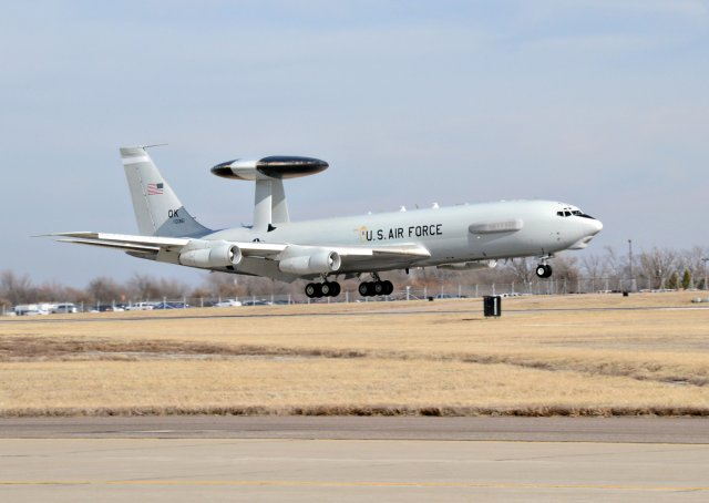 USAF receives first E 3 Sentry aircraft fitted with DRAGON glass flight deck modification 640 001