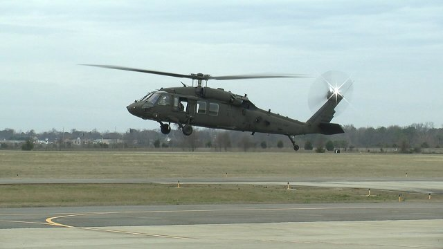 US Army s UH 60V Black Hawk first protoype achieves maiden flight 640 001
