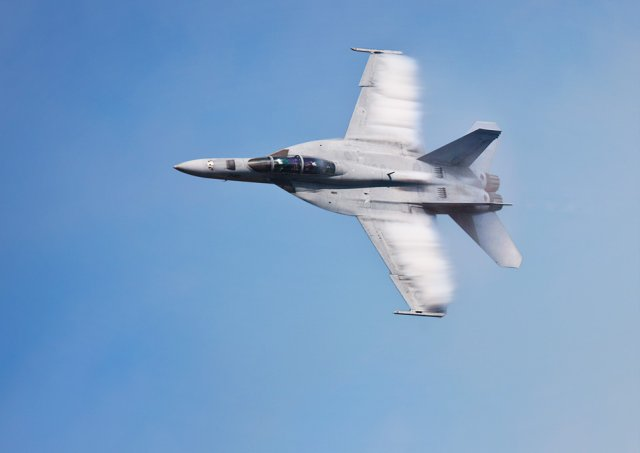 Canada takes next step toward acquisition of 18 F A 18E F Super Hornet fighter jets 640 001