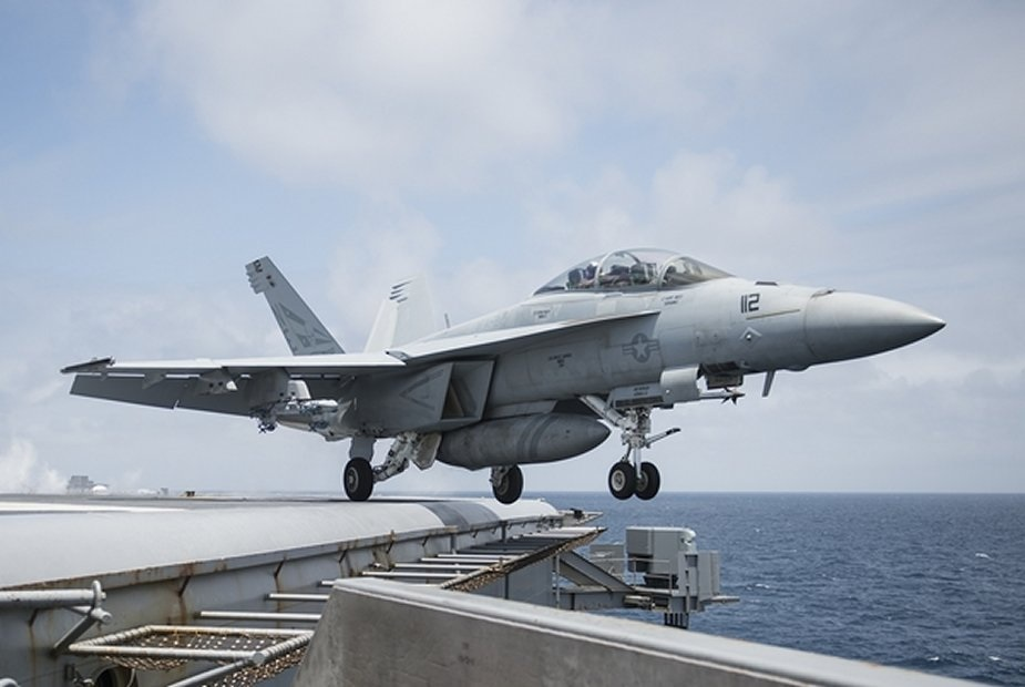 US Navy orders Raytheon 23 LRIP JPALS landing systems