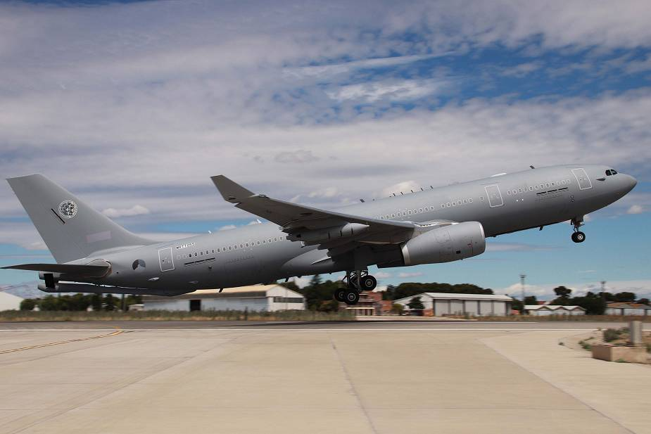 Airbus delivers first of eight Airbus A330 Multi Role Tanker Transport MRTT aircraft to NATO 925 001