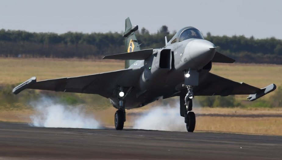 First flight in Brazil for Brazilian Air Force Saab Gripen E