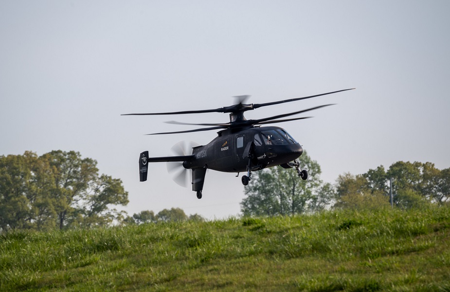 Sikorsky S 97 Raider helicopter performs first flight demos for US Army officials 01