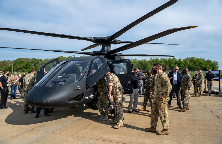 Sikorsky S 97 Raider helicopter performs first flight demos for US Army officials 03