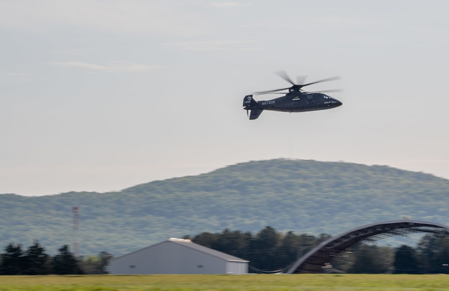 Sikorsky S 97 Raider helicopter performs first flight demos for US Army officials 04
